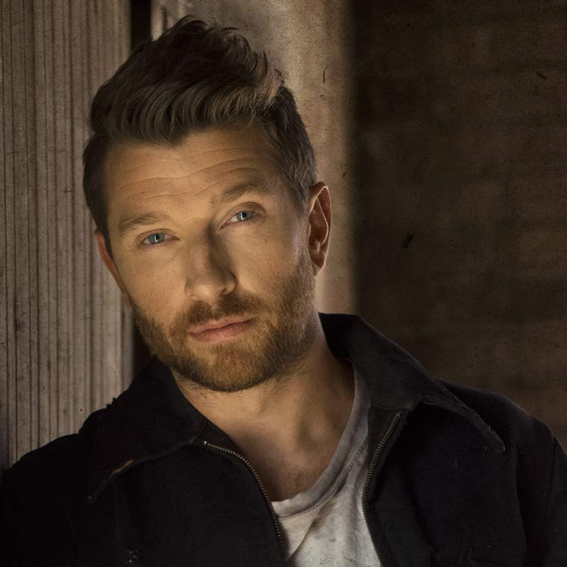 Brett Eldredge performing August 18 at Tailgate Fest